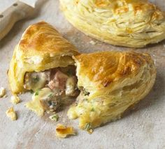 These look fantastic - ham, cheese & mushroom turnovers