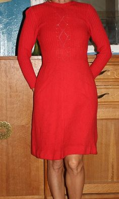 6167f71d4a2 ROBE PATINEUSE PULL ROUGE 70 S Marque Inconnue Taille  34-36 Couleur rouge