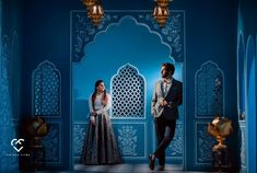Stunning Outift Ideas for your Pre-Wedding Shoot! Pre Wedding Poses, Pre Wedding Photoshoot, Wedding Couples, Wedding Groom, Indian Wedding Couple Photography, Bridal Photography, Outdoor Photography, Photography Poses, Romantic Pictures