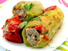 .: Rosii, ardei si dovlecei umpluti Fresh Rolls, My Recipes, Sushi, Food And Drink, Turkey, Stuffed Peppers, Meat, Cooking, Ethnic Recipes