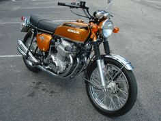 Excellent custom bikes images are readily available on our website. Vintage Honda Motorcycles, Honda Bikes, Honda Cb Series, Womens Motorcycle Helmets, Motorcycle Girls, Honda Motorbikes, Ducati Monster Custom, Soichiro Honda, Honda 750