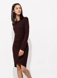 CURVES IN ALL THE RIGHT PLACES. The Meadow Dress was designed for the days when you want to put your best curves forward. The flattering ruched fabric and double layer of Technical Cashmere™ combine to highlight your best assets.