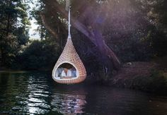 Hanging Outdoor Lounger Like Birds Nest for Relaxation. Nestrest is an outdoor lounger that looks like an over-sized bird's nest offering you a secluded, suspended sanctuary and unusual meeting place: it's the perfect place for relaxation, meditation and open-air conversations – NESTREST. It looks divine, but how do you get into it?