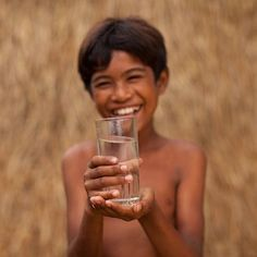 Naim is old. His entire village in Cambodia is now starting to drink clean water as BSF filters are installed in households. Inspiring Photography, Photography 101, Beautiful Smile, Beautiful People, Charity Water, Feel Good Stories, Global Village, Service Learning, People In Need