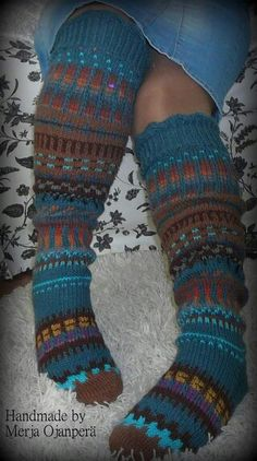 Hyvän mielen silmukat design Merja Ojanperä Crochet Socks, Knitting Socks, Knit Crochet, Knitting Charts, Knitting Patterns, Yarn Ball, Wool Socks, Knee High Socks, Handicraft
