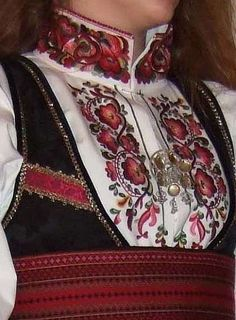 Beltestakk from Telemark Scandinavian Embroidery, Swedish Embroidery, Fantasy Costumes, Dance Costumes, Ethnic Outfits, Ethnic Clothes, Mrs Claus, Folk Costume, Traditional Outfits