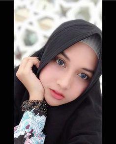 Hijab Niqab, Muslim Hijab, Beautiful Muslim Women, Beautiful Hijab, Lily Chee, Muslim Beauty, Indonesian Girls, Girl Hijab, Winter Hats For Women