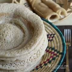 Xawaash: Somali Anjero (Canjeero) - fermented crepes with a unique taste, prepared in an authentic Somali way, very soft and spongy, delicious sweet or savoury. Made the recipe twice, the anjero is so tasty! ~ Recipe & Video