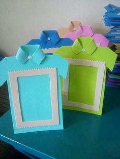 dıy father's day card ıdeas and gift pairings « funnycrafts Make them look like Girl Scout vests dia do pai us wp-content uploads 2016 06 So cute frame for fathers day Kids Crafts, Toddler Crafts, Diy And Crafts, Paper Crafts, Diy Birthday Cards For Dad, Photo Frame Crafts, Cadeau Parents, Father's Day Diy, Fathers Day Crafts