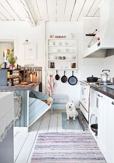 love this kitchen for my beach house ; Home Decor Kitchen, Rustic Kitchen, Home Kitchens, Kitchen Design, Swedish Cottage, Cottage Style, Eclectic Furniture, Eclectic Decor, Cocina Office