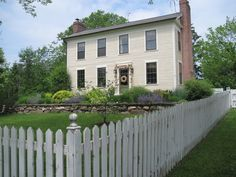 This family is updating their charming 1820s farmhouse—and they want your help!