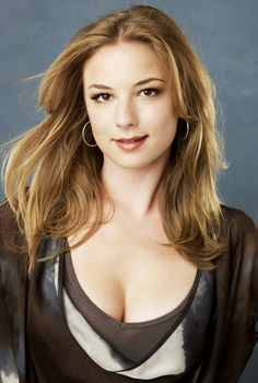 Emily VanCamp Emily VanCamp Actor CineMagiaro