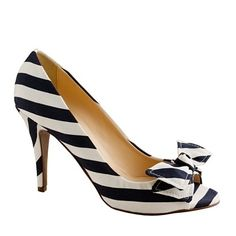 Evie stripe peep-toe pumps from J Crew. Cute Shoes, Me Too Shoes, Look Fashion, Fashion Shoes, White Fashion, Zapatillas Peep Toe, White Pumps, Josie Loves, Slippers