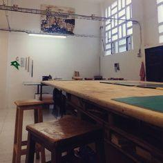 Abierto de cara al público desde abril de 2014, Tintaentera es un taller dedicado a la impresión de grabados y serigrafías de artistas locales #zaragoza