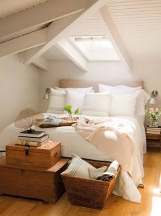 Cool Comfy Attic Bedroom Design And Decoration Ideas Attic Master Bedroom, Attic Bedroom Designs, Attic Bedrooms, Bedroom Loft, Master Bedroom Design, Home Bedroom, Bedroom Decor, Attic Bathroom, Attic Loft