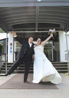 Woehoe! #funnyweddingpicture #gekkebruidsfoto