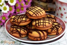 Paleuri de cofetarie cu ciocolata Romanian Food, Dessert Recipes, Desserts, I Foods, Fondant, Food And Drink, Cookies, Cake Recipes, Deserts