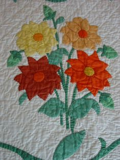 Fabulous Antique Quilt, Hand Applique and Hand Quilted, Dahlias Hexagon Quilt, Quilt Block Patterns, Pattern Blocks, Quilt Blocks, Antique Quilts, Vintage Quilts, Sunflower Template, Sunflower Quilts, Cross Hatching