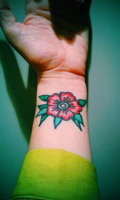 My old school flower tattoo made by Anna Sandberg @StockholmClassicTattoo