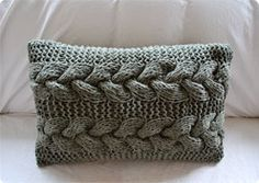 Cable Braid Pillow ; difficulty : easy   (2 * )