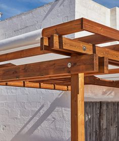 Attached pergola Classique an open front span Unopiù Terrace Building, Free Standing Pergola, Roof Beam, Attached Pergola, Bamboo Shades, Garden In The Woods, Garden Accessories, Beams, Blinds