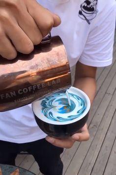 Beautiful Coffee DIYs So Creative! 😍 is part of Coffee - Coffee Latte Art, Coffee Shop, Cappuccino Art, Coffee Club, Drip Coffee, Coffee Break, Food Crafts, Diy Food, Creative Food Art