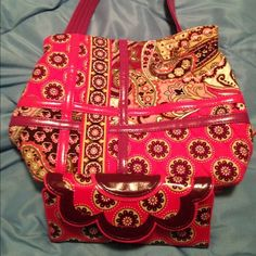Vera Bradley frill with wallet Very berry paisley Vera Bradley Bags Shoulder Bags