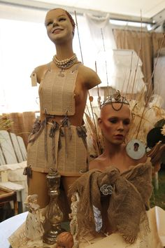 oh! how I adore these vintage mannequins