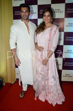 Newly Weds Bipasha and KSG Make a Handsome Couple At Baba Siddiqui's Iftaar Bash | PINKVILLA