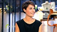 Coupe de cheveux alessandra sublet Medium Bob Hairstyles, Undercut Hairstyles, Cool Hairstyles, Super Short Hair, Short Hair Cuts, Short Hair Styles, Androgynous Haircut, Classic Haircut, French Hair
