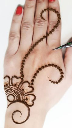 Pretty Henna Designs, Mehndi Designs For Kids, Floral Henna Designs, Henna Tattoo Designs Simple, Mehndi Designs Feet, Latest Bridal Mehndi Designs, Full Hand Mehndi Designs, Mehndi Designs Book, Mehndi Designs For Beginners