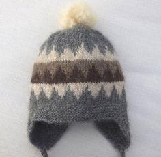 Grå lue med alpakkadusk 1-2 år Knit Hats, Beanie, Knitting, Crochet, Bags, Design, Fashion, Crochet Hooks, Handbags