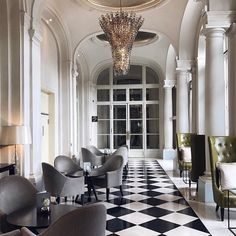 Repost from @claramofficiel  Le fabuleux #hotel @trianonpalaceversailles 💕 #luxury #luxuryhotel #spa