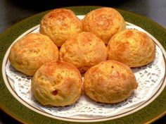 My Chorizo-Comté Gougères For an Easy Aperitif! Chorizo, Easy Cooking, Cooking Recipes, Savoury Baking, Appetisers, Food To Make, Food Porn, Good Food, Brunch