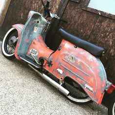 Rattenalarm! #bavariancustomcrew #miasancustom #bcc #custom #custombike #custommade #custombuilt #simson #schwalbe #kr51 #ddr #ostalgie #ostblech #old #oldtimer #oldschool #vintage #retro #potd #picoftheday #ratte #ridetilldeath #ridewithstyle #edel #bikeporn #rat #ratstyle Custom Moped, Custom Bikes, Motor Scooters, Vespa Scooters, Motor Cruiser, Tracker Motorcycle, Honda Cub, Scooter Motorcycle, Vintage Bikes