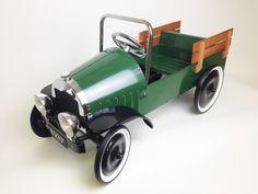 CLASSIC JALOPY PICKUP TRUCK PEDAL CAR