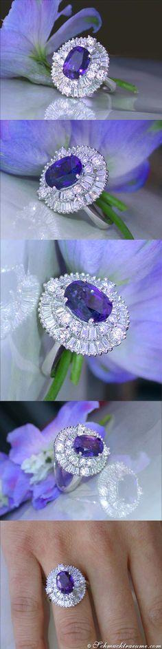 Victorian Style: Ceylon Sapphire Diamond Ring, 5.42 ct. WG18K - Visit: schmucktraeume.com Like: https://www.facebook.com/pages/Noble-Juwelen/150871984924926 Mail: info@schmucktraeume.com