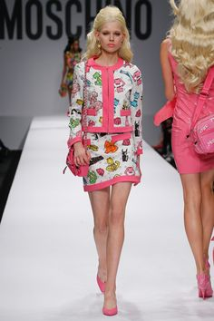 Moschino Spring 2015 RTW – Runway – Vogu Bizaar Barbie like prints