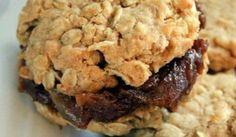 Recette : Biscuits à l'avoine et aux dattes. Desserts With Biscuits, Cookie Desserts, Cookie Recipes, Dessert Recipes, Cake Mix Cookies, Biscuit Cookies, Cookie Dough, Cookie Cutters, Bakers Treat