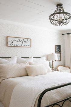 Most current Pic How to Spray Paint Shower Fixtures (Easy DIY Method) Cozy Bedroom, Bedroom Decor, 70s Bedroom, Bedroom Ideas, Bedroom Interiors, Bedroom Designs, Bedroom Inspiration, Bedroom Wall, Master Bedroom