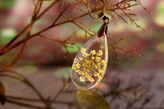 Queen Anne's Lace teardrop Necklace Victorian vintage by Neraidas