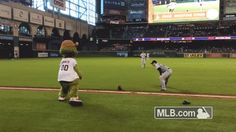 Orbit dances to 'Bye Bye Bye', draws out the N'Sync in all of us
