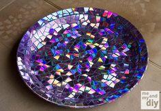 Kullanmadığınız CDler ile Tabak Yapalım CD ile Mozaik desenli tabak yapımı Kendin yap projesi ile CD'lerden yapılacak tabak projesi fikirleri önerileri