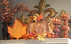 Savvy Seasons by Liz: Hutch Decor Change