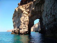 Yes another #ARCH in #Baja and is not in #Cabo... It is in Espiritu Santo Island! #LaPazBCS | Sí otro #Arco en #BajaCaliforniaSur y no está en #LosCabos está en la Isla Espíritu Santo.