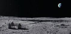 O que você vê quando olha para lua? Tem quem veja um coelho, tem quem veja um coração, mas lá nos EUA é costume dizer que o que se vê é a forma de um homem. No primeiro comercial expressivo dessa temporada de Natal (que já está começando na primeira semana de Novembro!!), a John Lewis con…
