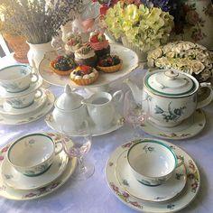 Vintage Mismatched Tea Set for 4 Royal Bayreuth and Haviland Limoges France 21 pieces Cute Food, Yummy Food, Picnic Date, Tea Sets Vintage, Vintage Teacups, Vintage Party, Think Food, Aesthetic Food, Afternoon Tea