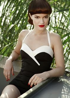 I love this Vintage inspired Swimwear by a Mama Maria. I think it's a timeless silouette. What do you guys think?