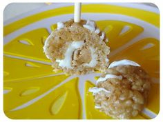 Rice Krispie Stuffed Peanut Butter Pops! Cereal Treats, Rice Krispie Treats, Rice Krispies, White Christmas Desserts, Cheesecake Balls Recipe, Food On Sticks, Stick Food, Finger Desserts, Brownies