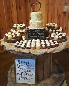 wedding cakes country wedding ideas---ruffle wedding cake with cupcakes, country barn wedding theme Vintage Country Weddings, Country Wedding Cakes, Wedding Cake Rustic, Rustic Cake, Elegant Wedding Cakes, Rustic Cupcakes, Rustic Cupcake Display, Country Cupcakes, Rustic Cupcake Stands